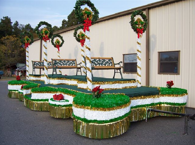 Christmas Floats | Cline's Floats